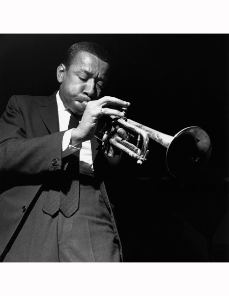 lee-morgan-performs-with-art-blakeys-jazz-messengers-at-the-jazz-gallery-in-new-york-city