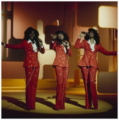 The Three Degrees Perfoms On Stage