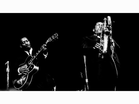 saxophonist-john-coltrane-with-guitarist-wes-montgomery-at-the-1961-monterey-jazz-festival-jimmarshall